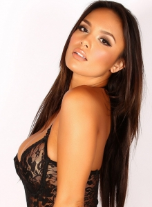 Justene Jaro Shows Off Her Big Tits In A Black Lace Outfit - Picture 3