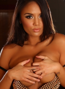 Busty Babe Justene Jaro Shows Off Her Big Juicy Tits In A Spike Covered Bra - Picture 8