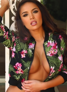 Busty Sex Kitten Teases With A Tiny Unzipped Jacket Barely Covering Her Big Tits - Picture 8